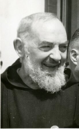 Padre Pío - Nos levantaremos al alba